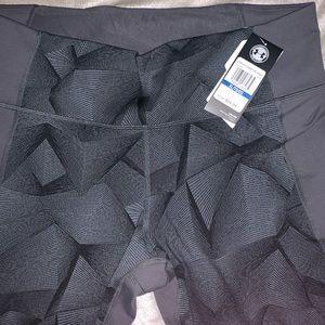BRAND NWT! under armor leggings